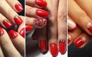 Маникюр красные ногти со стразами