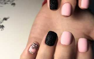 Маникюр на короткие ногти черный с розовым